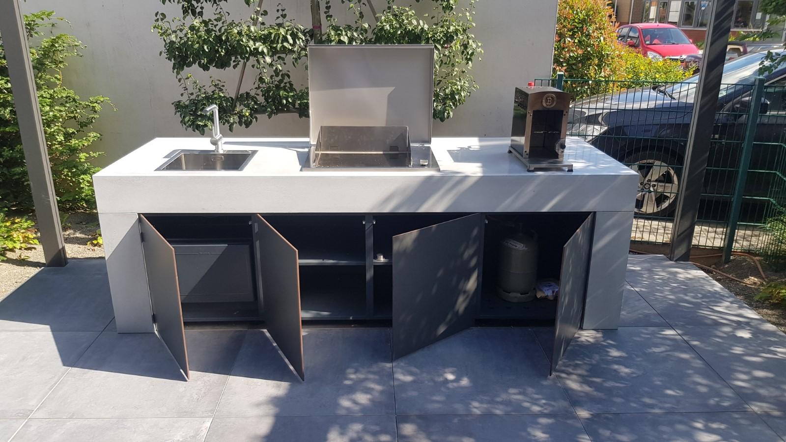 concrete-beton-outdoor-kueche-referenzen-004